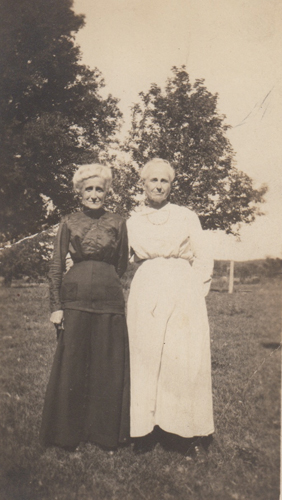 Great-great grandma Lavina and her sister Martha, photo with creases