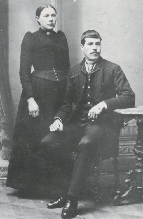 John and Elizabeth (Gravdahl) Veland